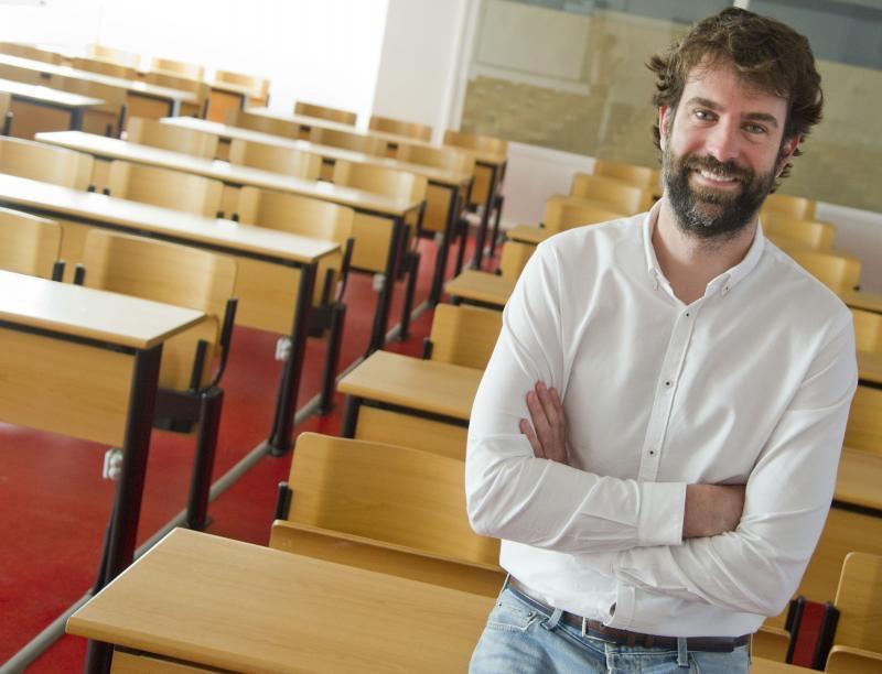 """Rafael Guerrero Tomás: """"Hay que permitir las emociones en el aula"""""""